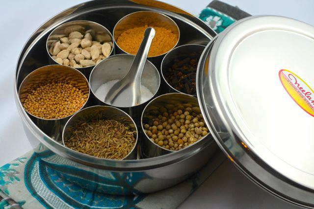 Boîte indienne à épice (Masala dani)